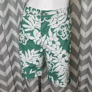 🔵LEE OneTrueFit green and white floral shorts